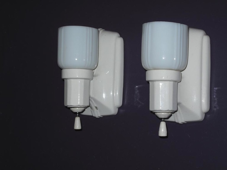 Bathroom Light Fixture Retro