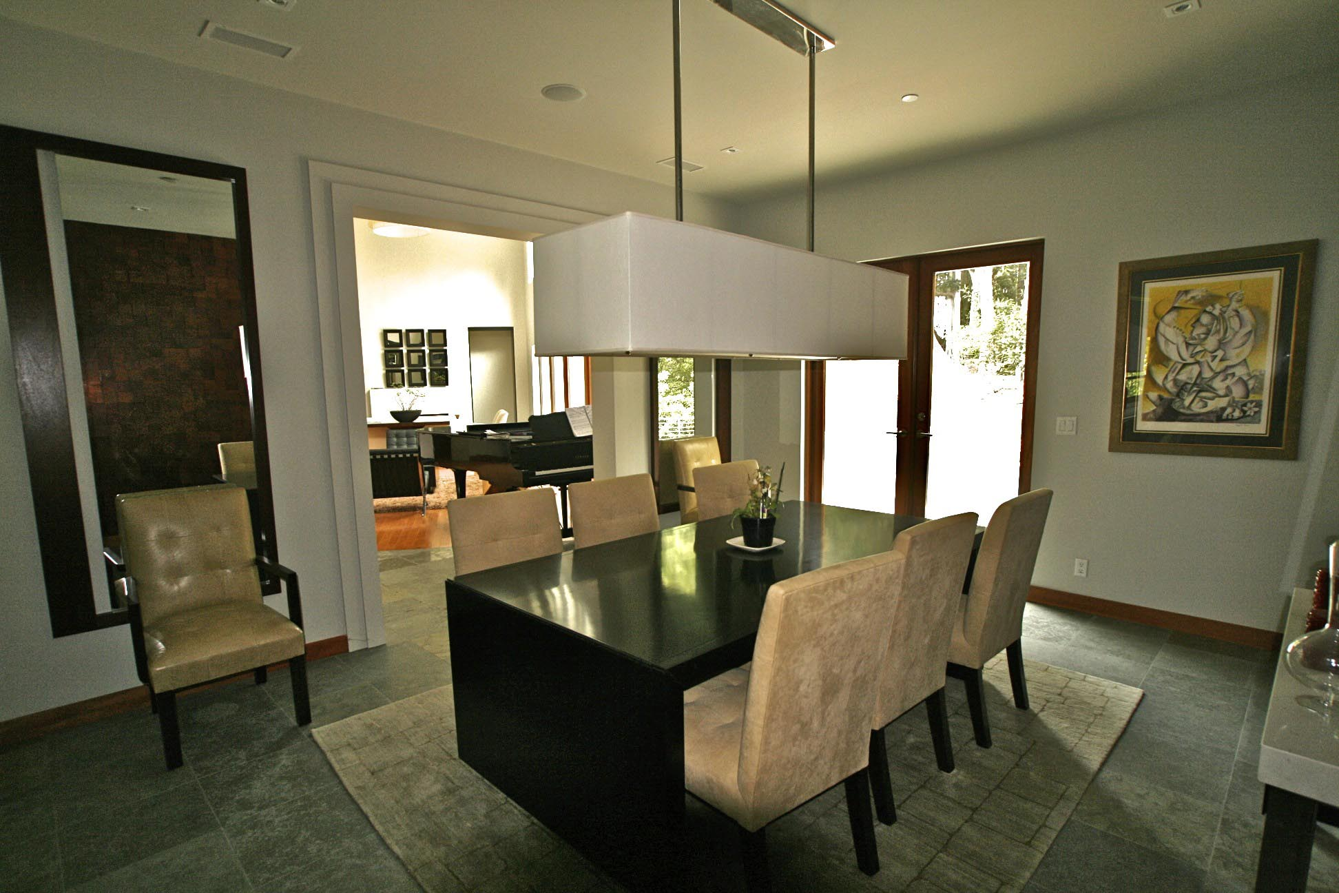 dining light fixtures make the dining room bright and warm light