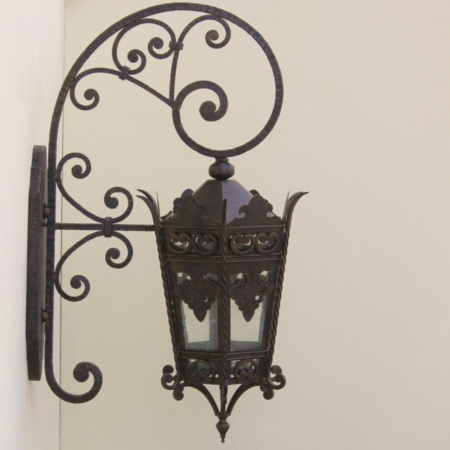Iron Outdoor Light Fixtures