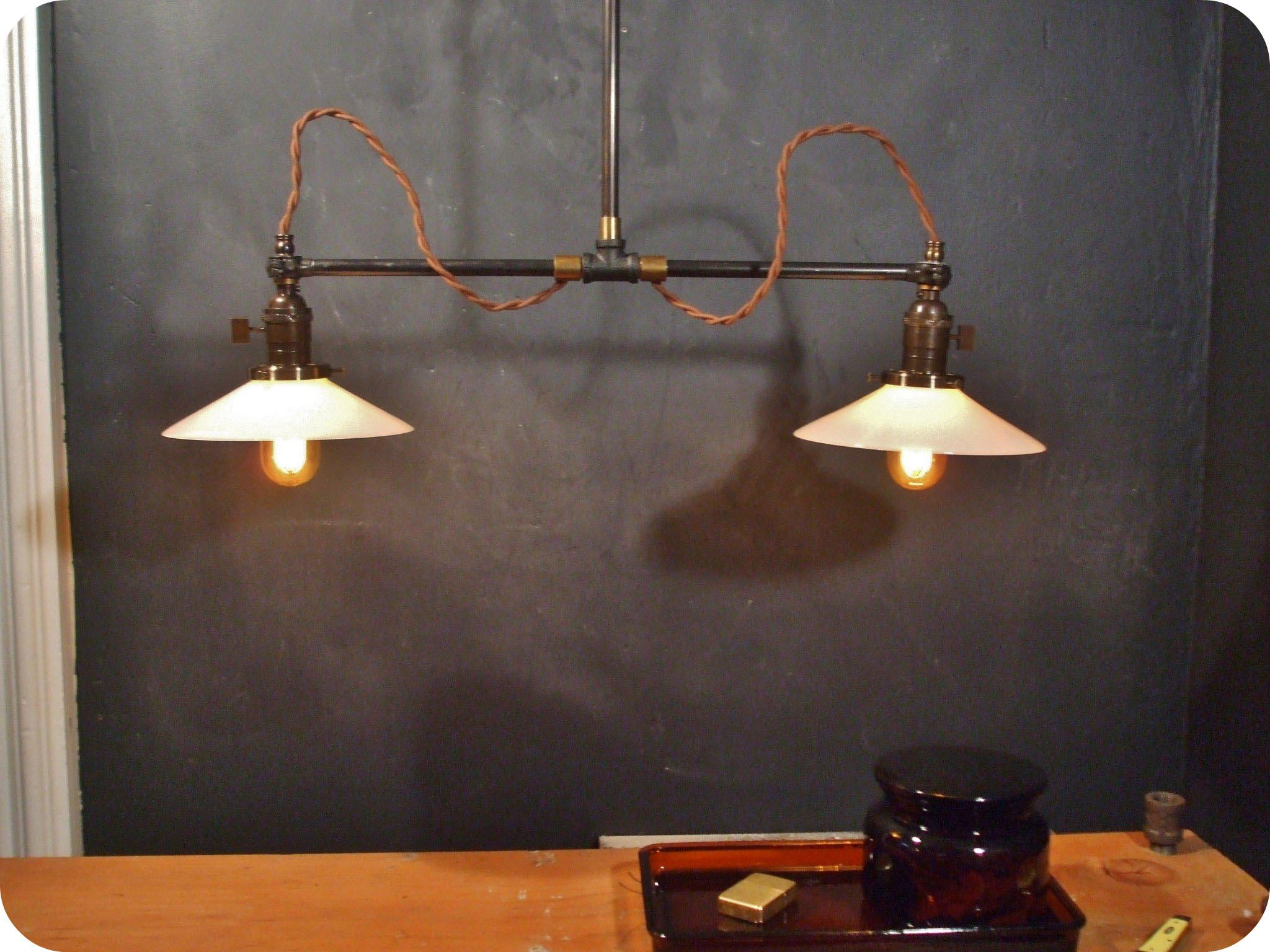 Vintage industrial lighting fixtures light fixtures for Industrial design lighting fixtures