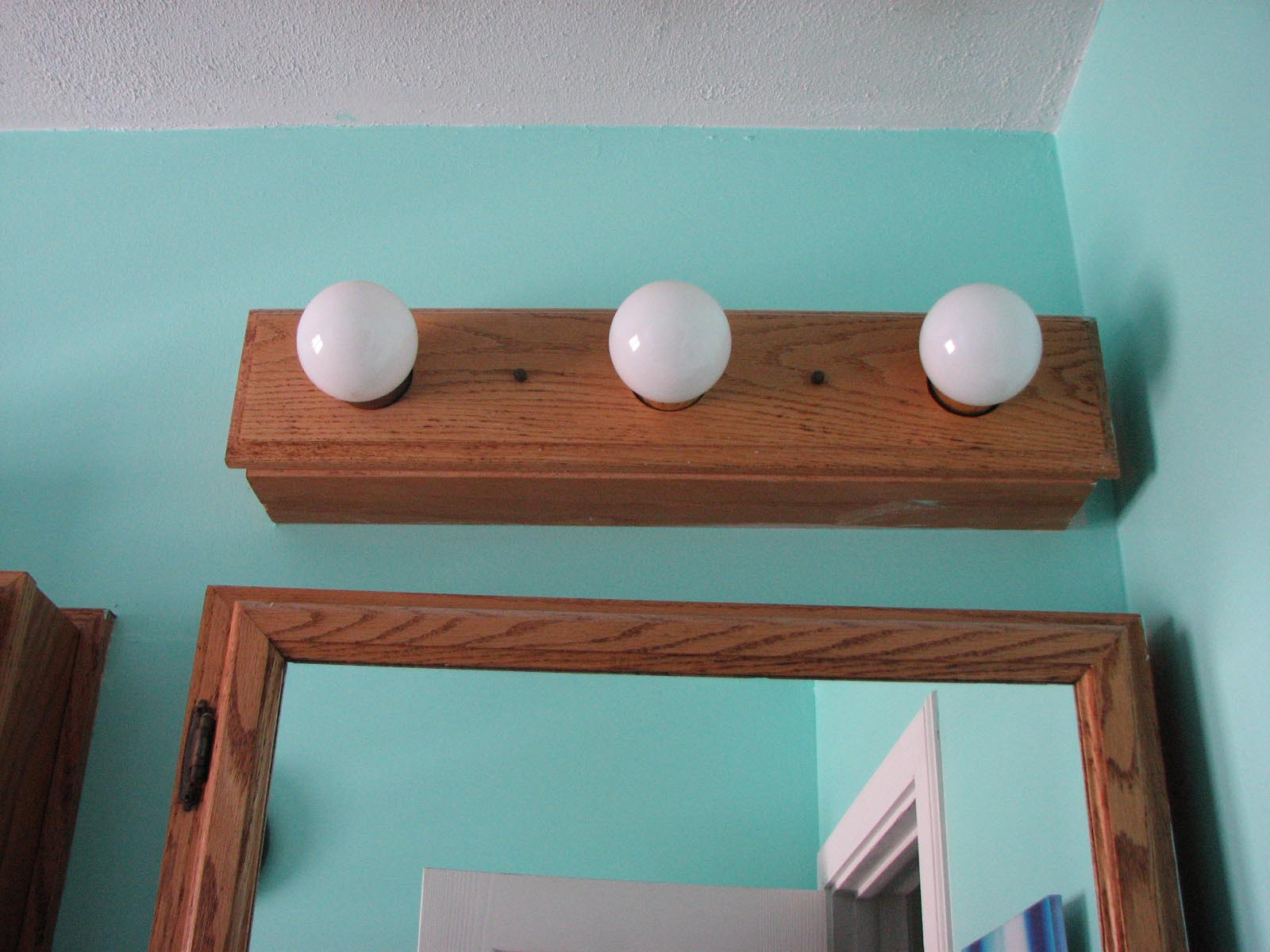 Wooden Bathroom Light Fixtures