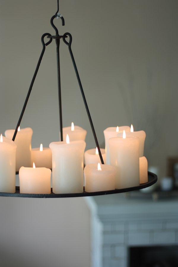 Pillar Candle Chandelier Round